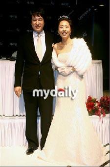 อาห์น แจ-ฮวาน และ ภรรยา