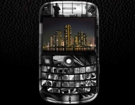 Blackberry Bold ขอขอบคุณภาพประกอบจากเว็บไซต์ : cameraphonesplaza.com