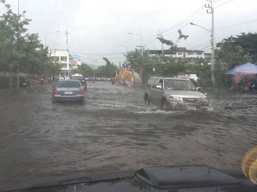 น้ำท่วมดอนเมือง 2554