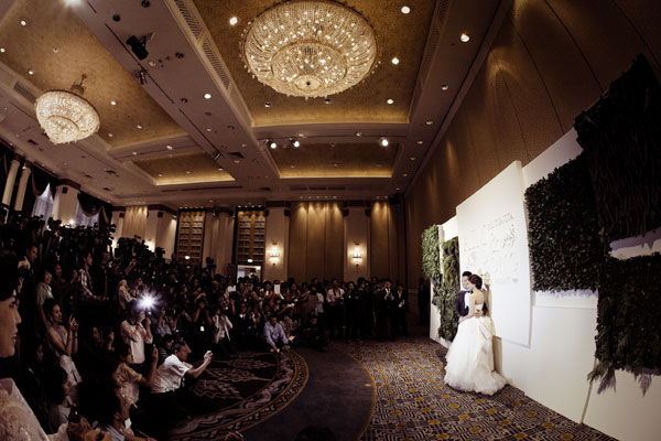 http://hilightad.kapook.comhttp://hilight.kapook.com/img_cms2/news_6/Wedding_AimPong_034.jpg