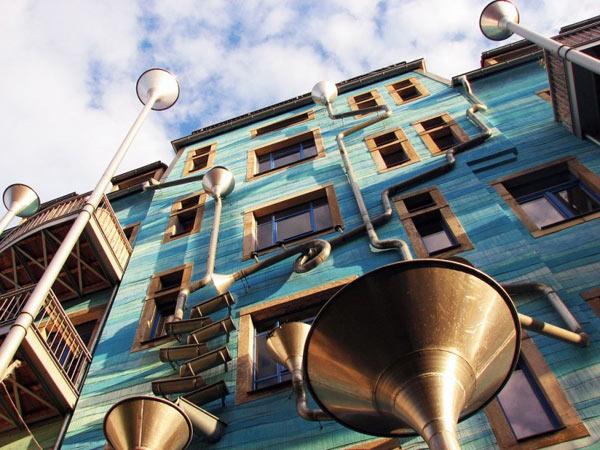 ตึกในเยอรมนีกับดีไซน์อาร์ต ๆ