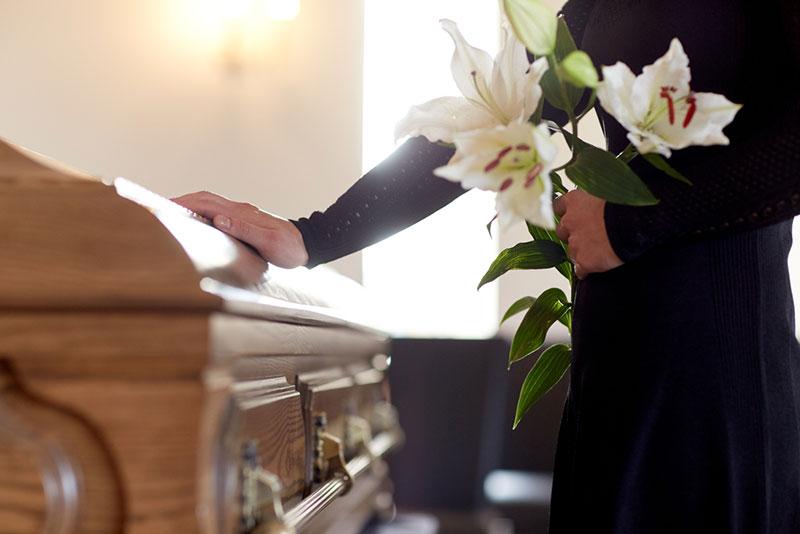 รัฐวอชิงตันเสนอวิธีจัดการศพแบบใหม่ ไม่เผา-ฝัง แต่ย่อยสลาย ให้กลายเป็นปุ๋ย
