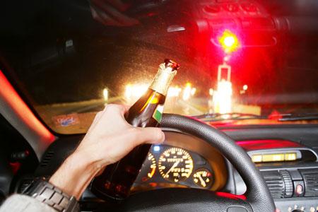 ดื่มเหล้าในรถ