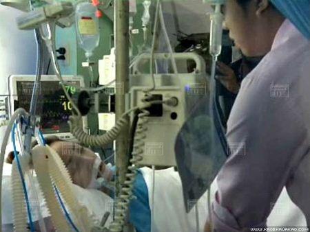 หมอป๊อป โผล่เยี่ยมเหยื่อสาว ยันรับผิดชอบค่ารักษา