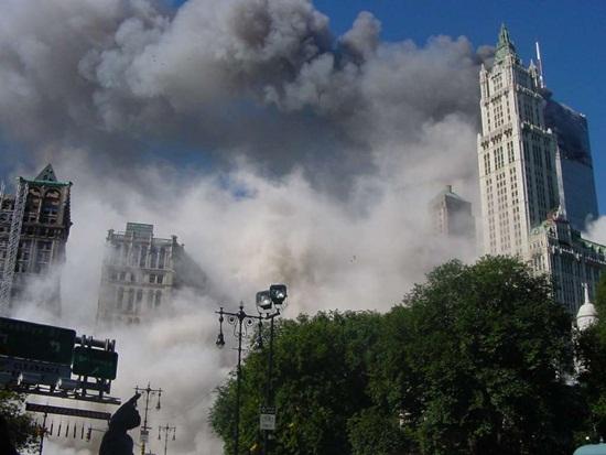 ตึกเวิลด์เทรดเซ็นเตอร์ ถล่ม เหตุการณ์ 9/11
