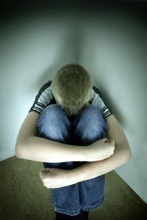รวบ รปภ. สุดหื่น หลอกเด็กชายวัย 12 กินเบียร์-เสพยา ก่อนข่มขืน
