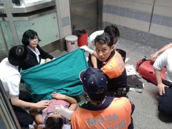 คลอดลูกบน MRT สุขุมวิท