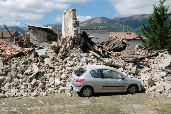 แผ่นดินไหว 6.2 ที่อิตาลี