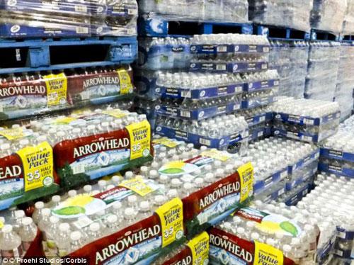 จริงดิ! การขายน้ำขวดพลาสติกผิดกฎหมาย ในเมืองคองคอร์ด สหรัฐอเมริกา