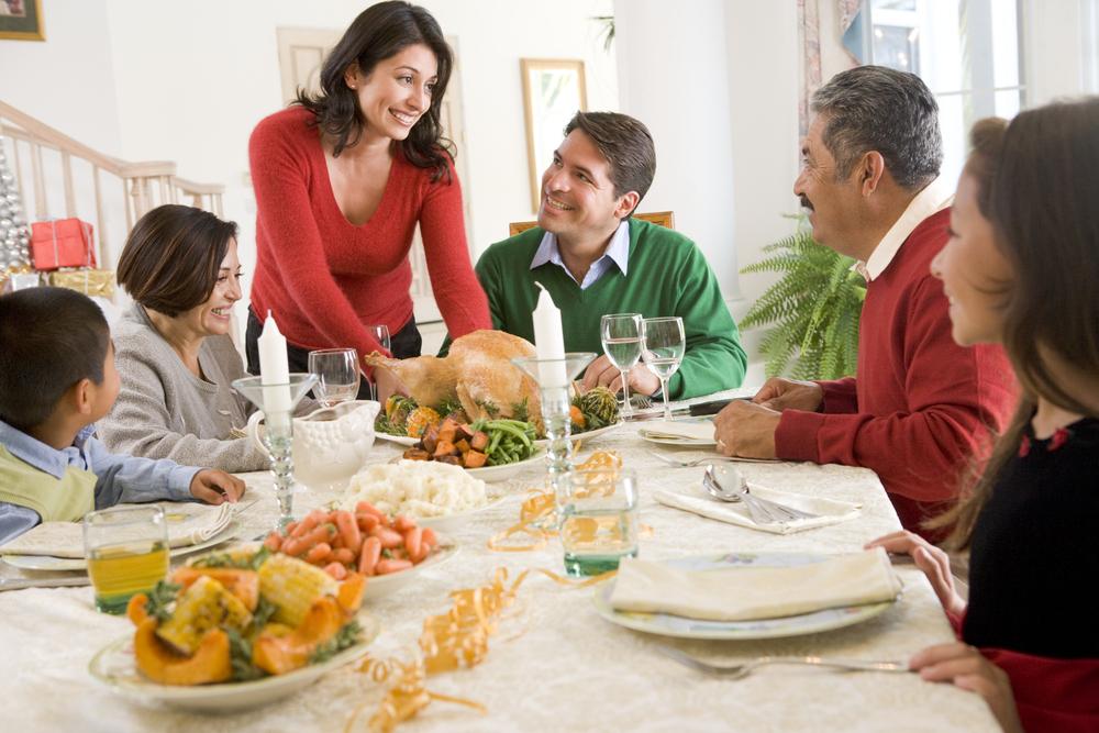 มารยาทในการรับประทานอาหาร เรื่องพื้นฐานจำให้แม่น !