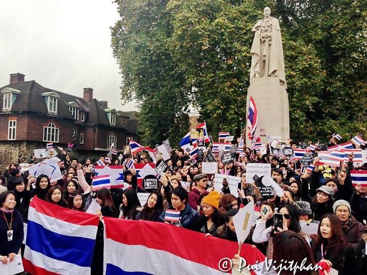 ภาพคนไทยในลอนดอนรวมตัวต้านระบอบทักษิณ-นิรโทษกรรม แชร์ว่อนเน็ต