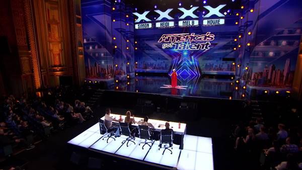 ทวดวัย 90 งัดของเด็ด โชว์ระบำเปลื้องผ้าใน America's Got Talent