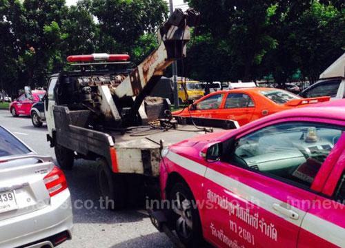ยกรถทั่วกรุง ห้ามจอด 60 ถนนสายหลัก ใน กทม.