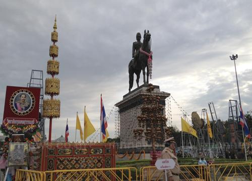 คาถาบูชาเสด็จพ่อ ร.5 เทพในหัวใจของชาวไทยทั้งมวล