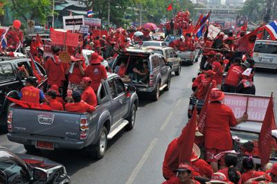 เสื้อแดงเหนือ เตรียมบุกกรุง ขนรถบัส 250 คัน รำลึก พฤษภาเลือด