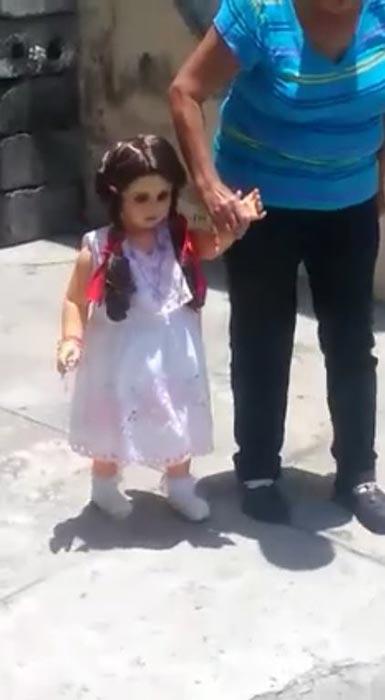 คลิปตุ๊กตาผีสิง