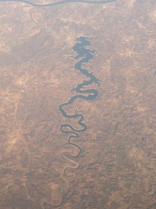 แม่น้ำมังกร
