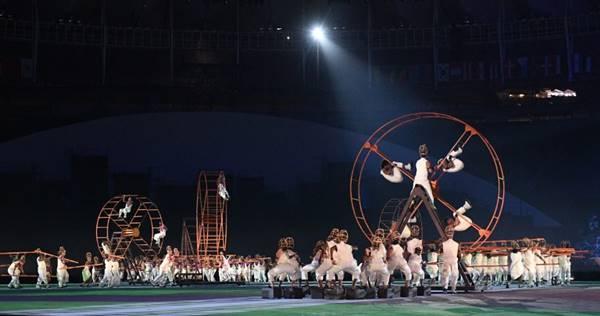 จุใจ ! ประมวลภาพพิธีเปิดโอลิมปิก 2016 Rio Games งดงามตระการตา