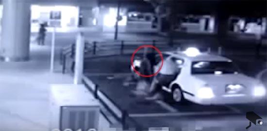 หลอนเลย วงจรปิดจับคลิปผีสาวลอยตามผู้ชายขึ้นรถแท็กซี่ !