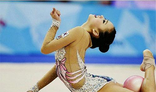 ซอนยอนแจ นางฟ้ายิมนาสติกเกาหลีใต้ คว้าเหรียญทองตามคาด