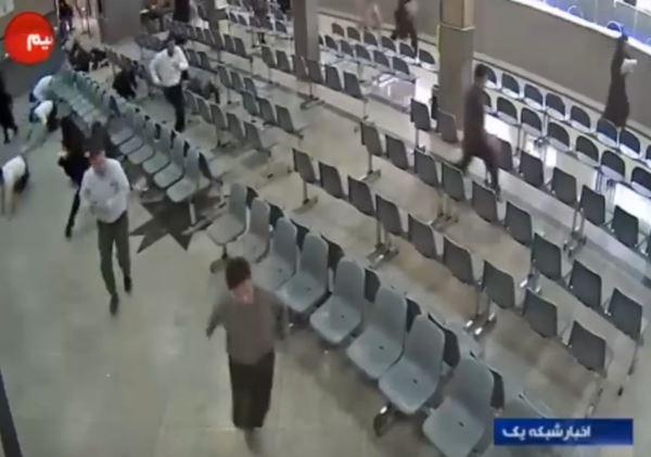 มือปืนบุกอาคารรัฐสภาอิหร่าน