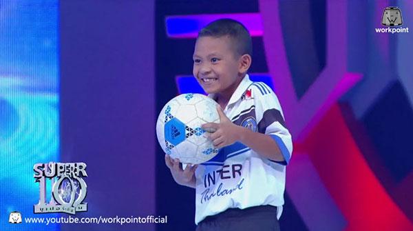 คนดัง น้องพี นักเตะไร้บอล กับความพยายามแรงกล้า ขอลูกฟุตบอลใบแรกในชีวิต