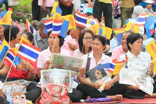 บทอาเศียรวาทวันพ่อ ... เรียงร้อยกวีสดุดีองค์พ่อหลวงของชาวไทย